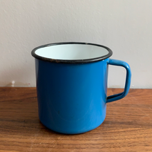 Load image into Gallery viewer, Set of 2 Vintage Enamel Mugs