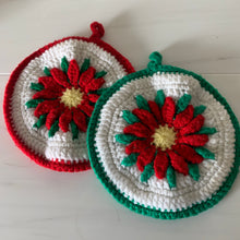 Load image into Gallery viewer, Christmas Pot Holders in Green and Red