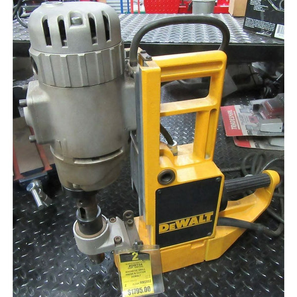 NEVER USED DISPLAY DEWALT MODEL DW154 MAGNETIC DRILL PRESS