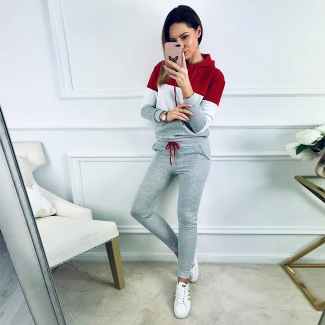 Stylish Polyester Hooded Track Suit For Women