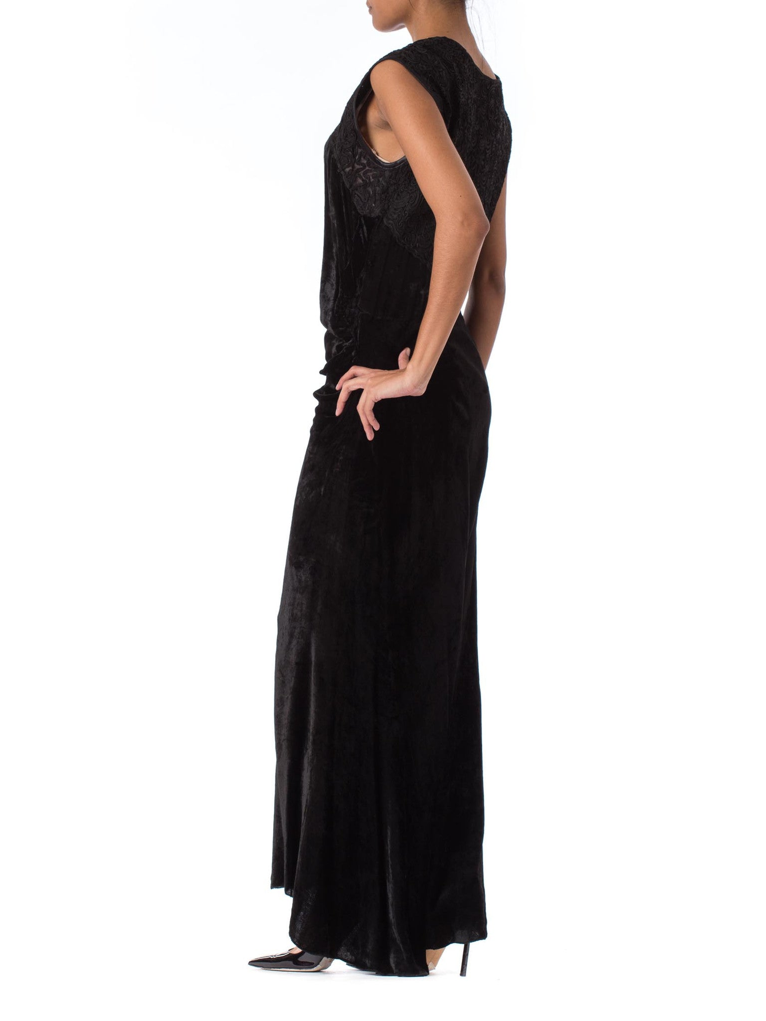 1930S Black Silk Velvet Bias-Cut Gown With Slight Train & Embroidered Lace Bodice