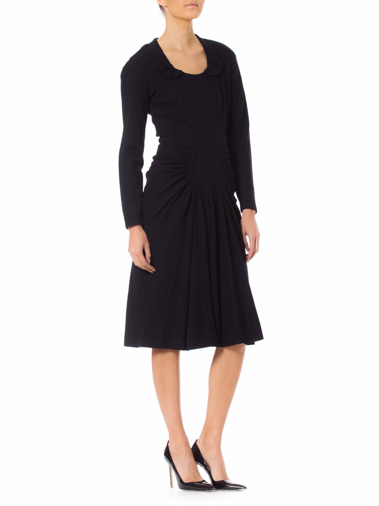 1940s Black Vamp Style Long Sleeve Pleated Skirt Dress