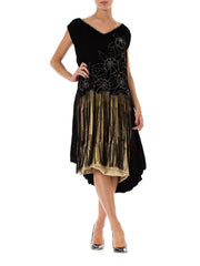 Very fine 1920s Velvet Dress with Fringe and Crystals