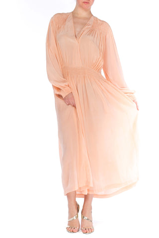 1940S Peach Silk Crepe De Chine Long Sleeve  Negligee With Hand Smocked Detailing Xl