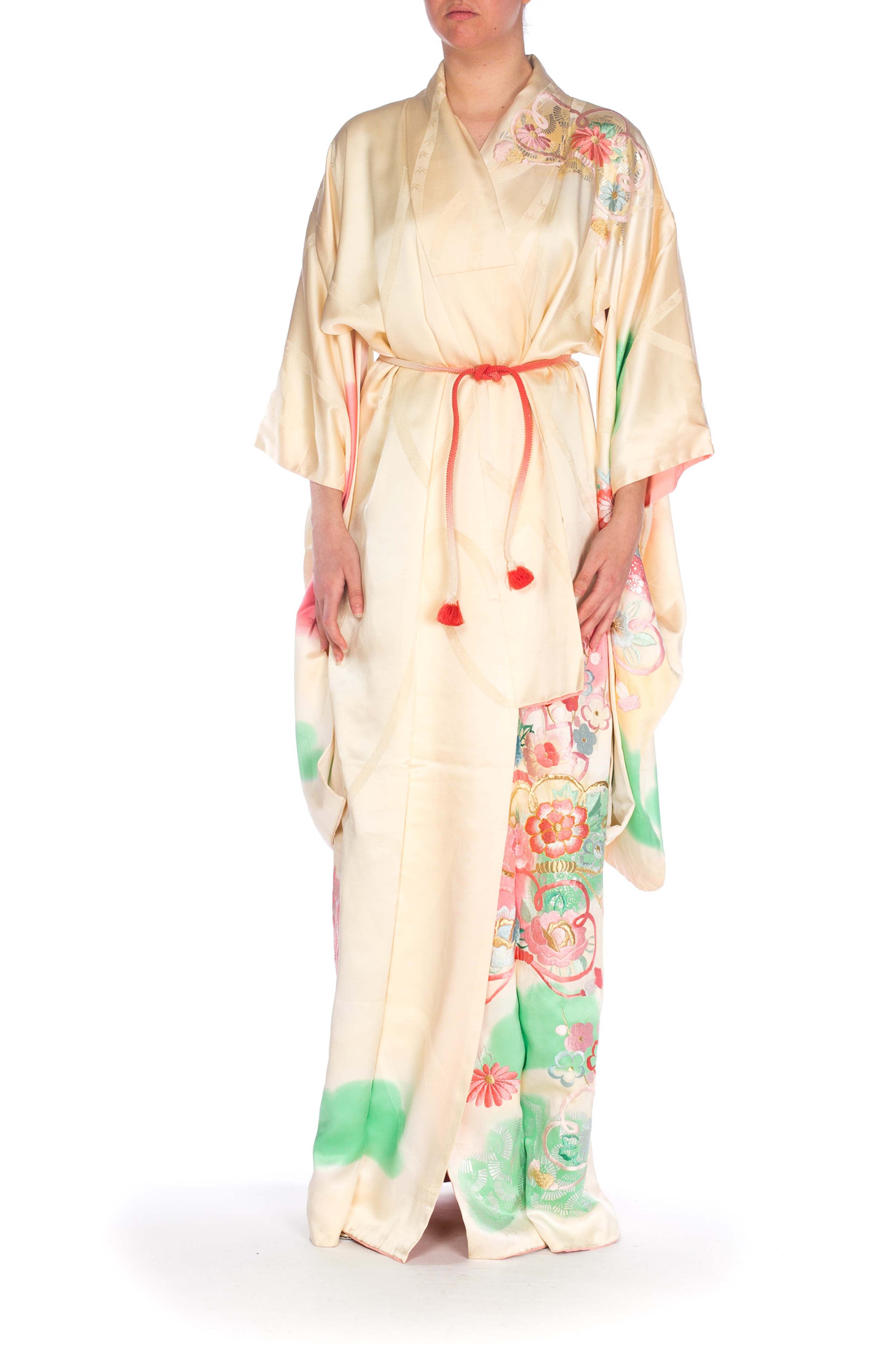 1940S Ivory Hand Painted Rayon & Silk Kimono With Floral Embroidery