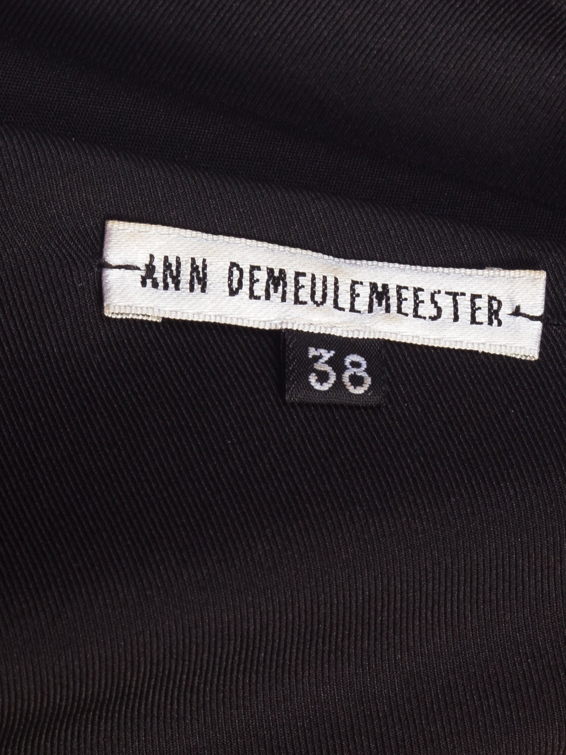 Ann Demeulemeester Silk Scarf |New York City | 24hrs- Free Return policy | US Free Shipping | Pre-owned Clothing | Sustainable fashion | Women Vintage Clothing | Vintage Clothing Store