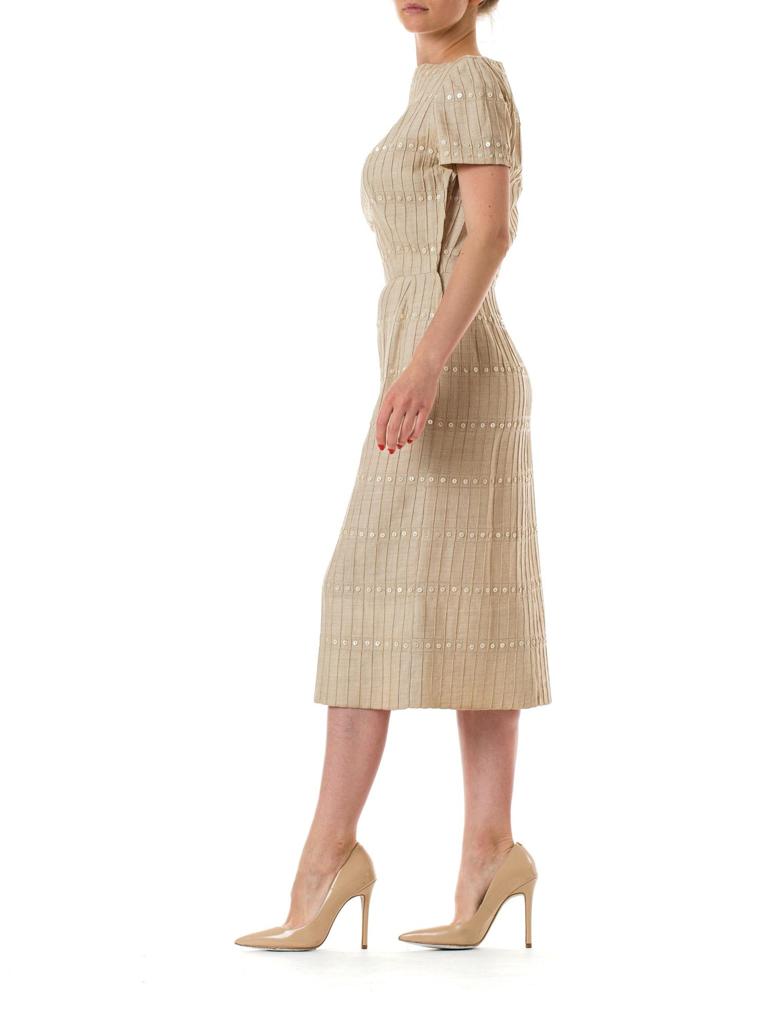 1950S Beige Linen Pintucked Day Dress With Button Embellishment
