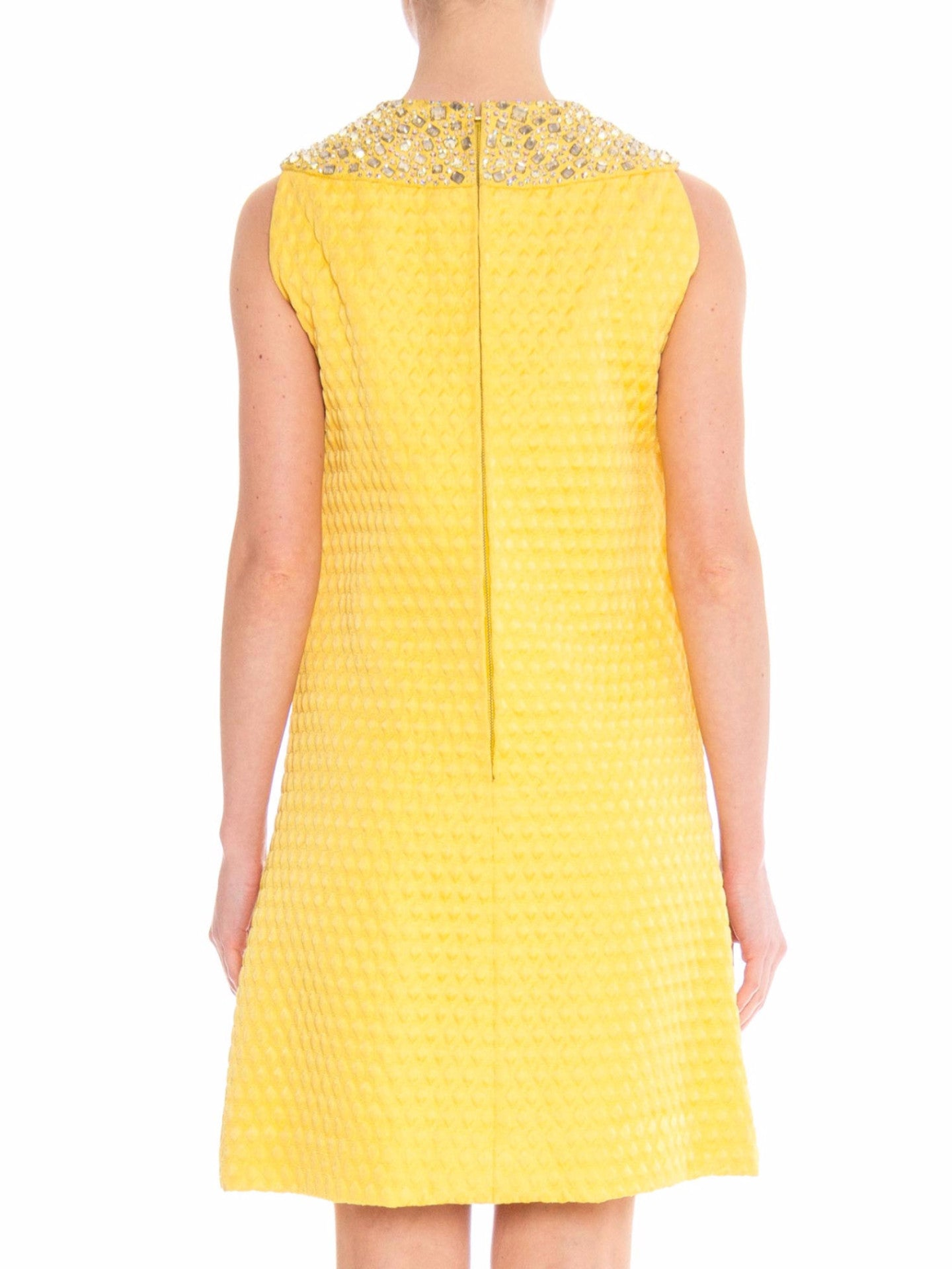 1960 OSCAR DE LA RENTA Yellow Geometric Rayon Blend Matelassé Cocktail Dress With Giant Crystal Collar