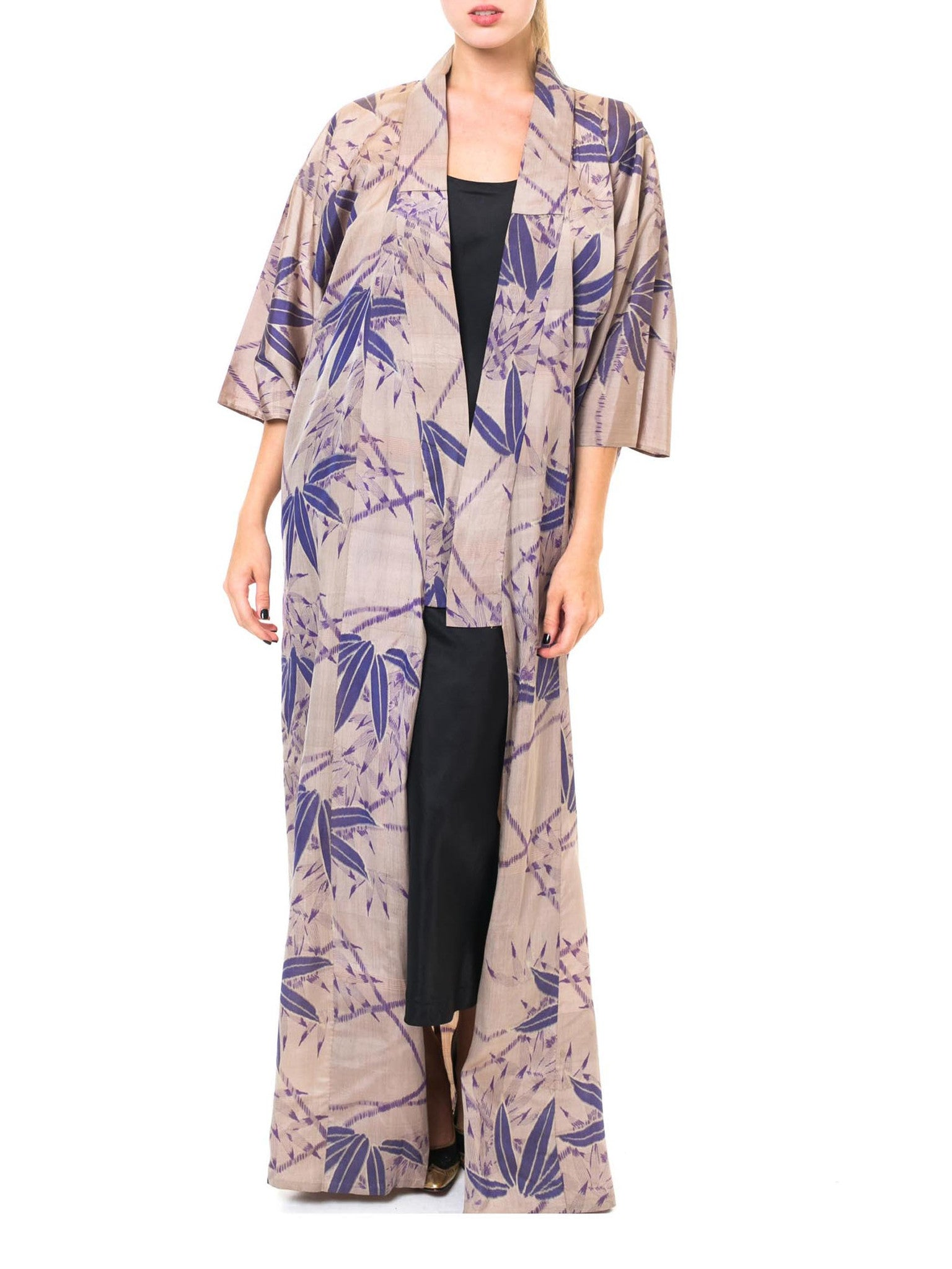Luxurious Taupe and Violet Floral Vintage 1950's Kimono