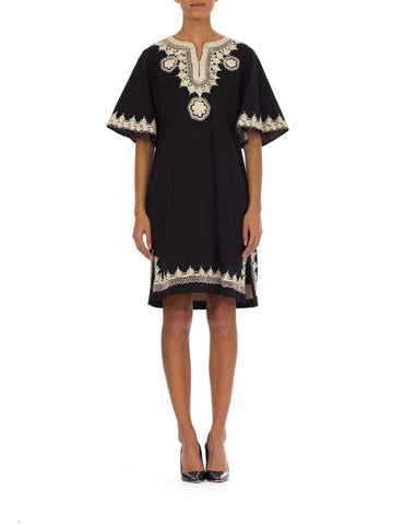 23cbf5f130c 1970s Ethnic B W Embroidered Bell Sleeve Caftan Midi Dress