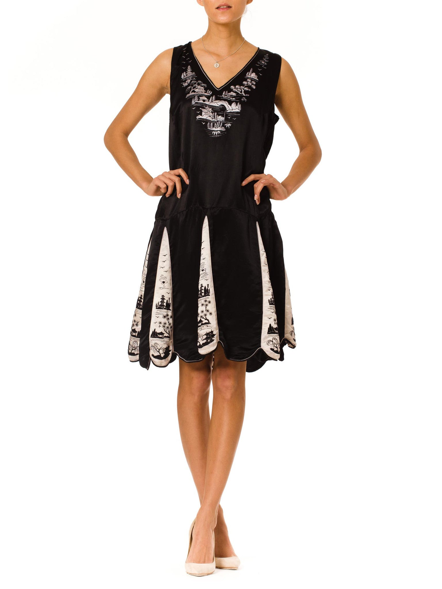 Exciting Vintage 1920s Black and White Asian Embroidered Silk Dress