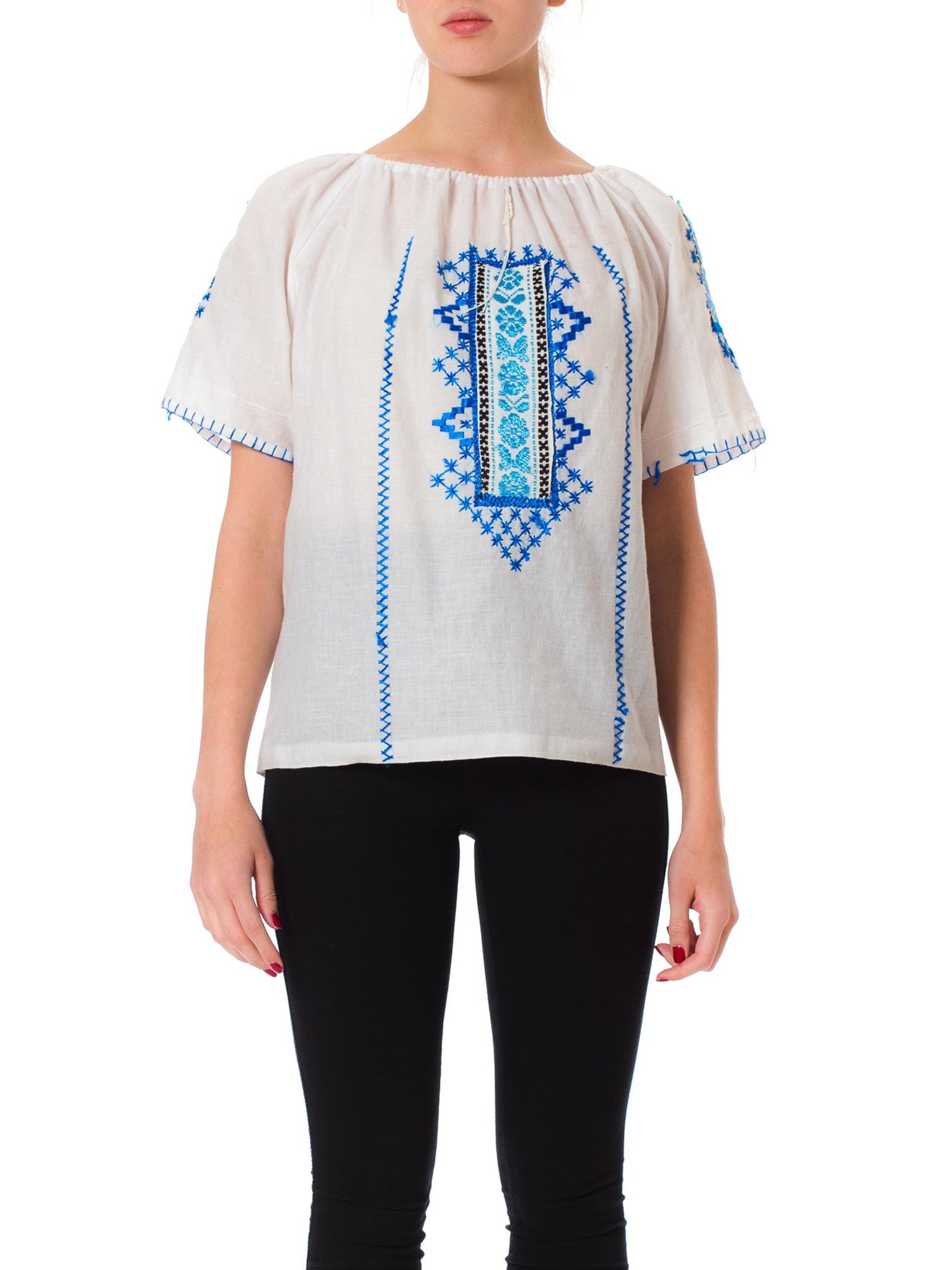 1970s Boho Ethnic Embroidered Peasant Style Short Sleeve Blouse