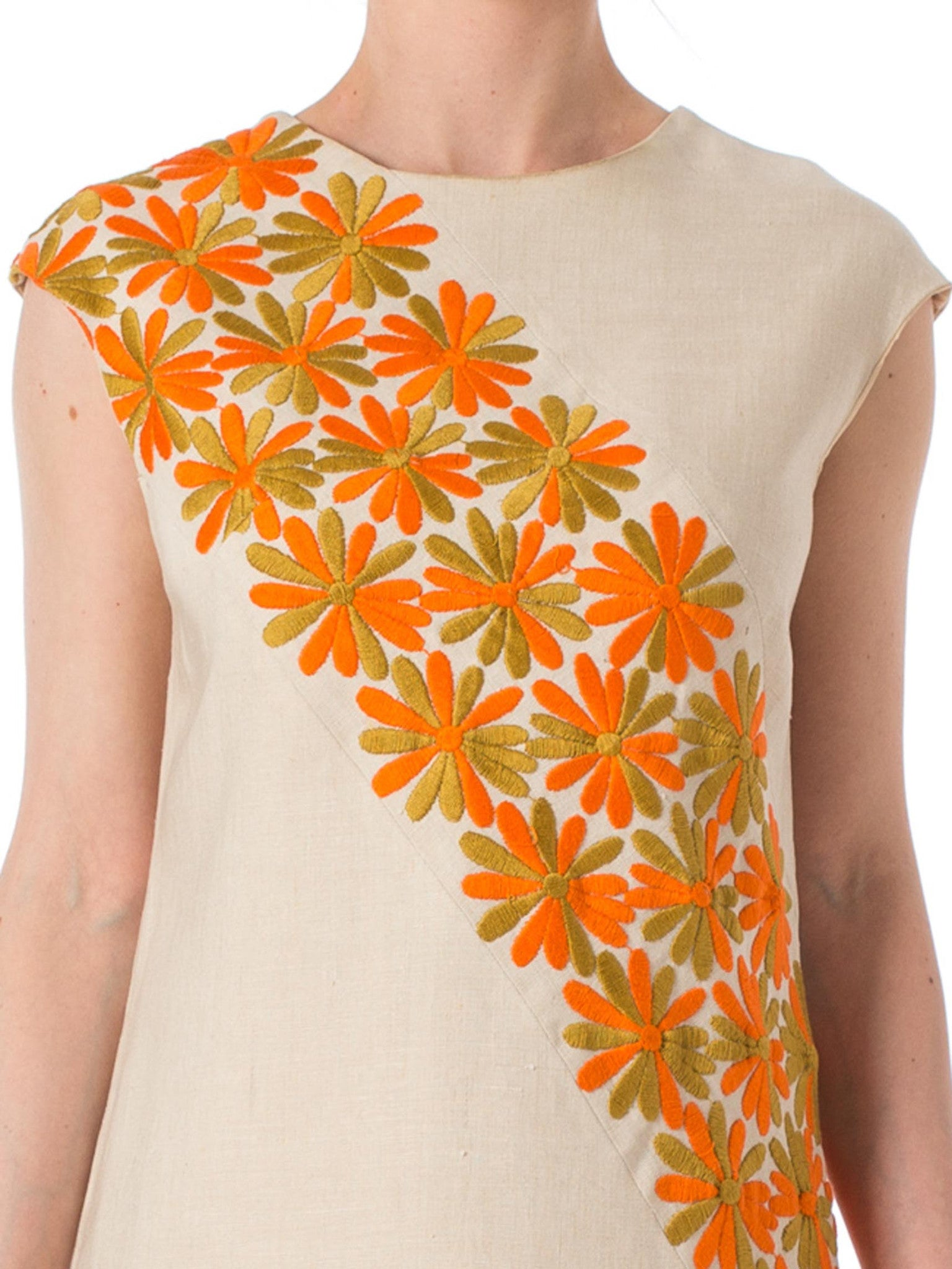 49423bd0b5 1960s MOD Daisy Embroidered Linen Sleeveless dress – MORPHEW