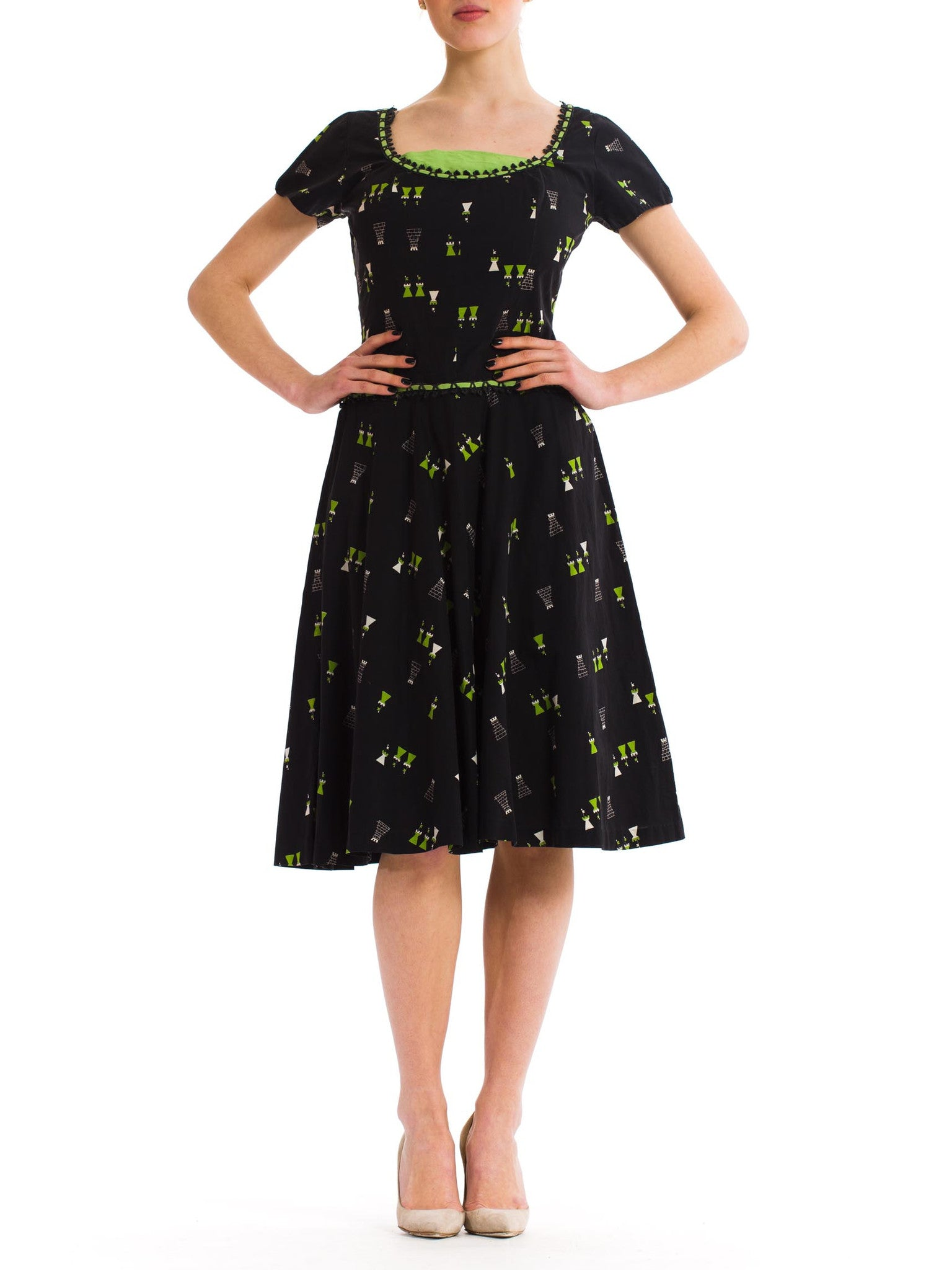 Sweet Vintage 1950s Black and Green Cotton Dress