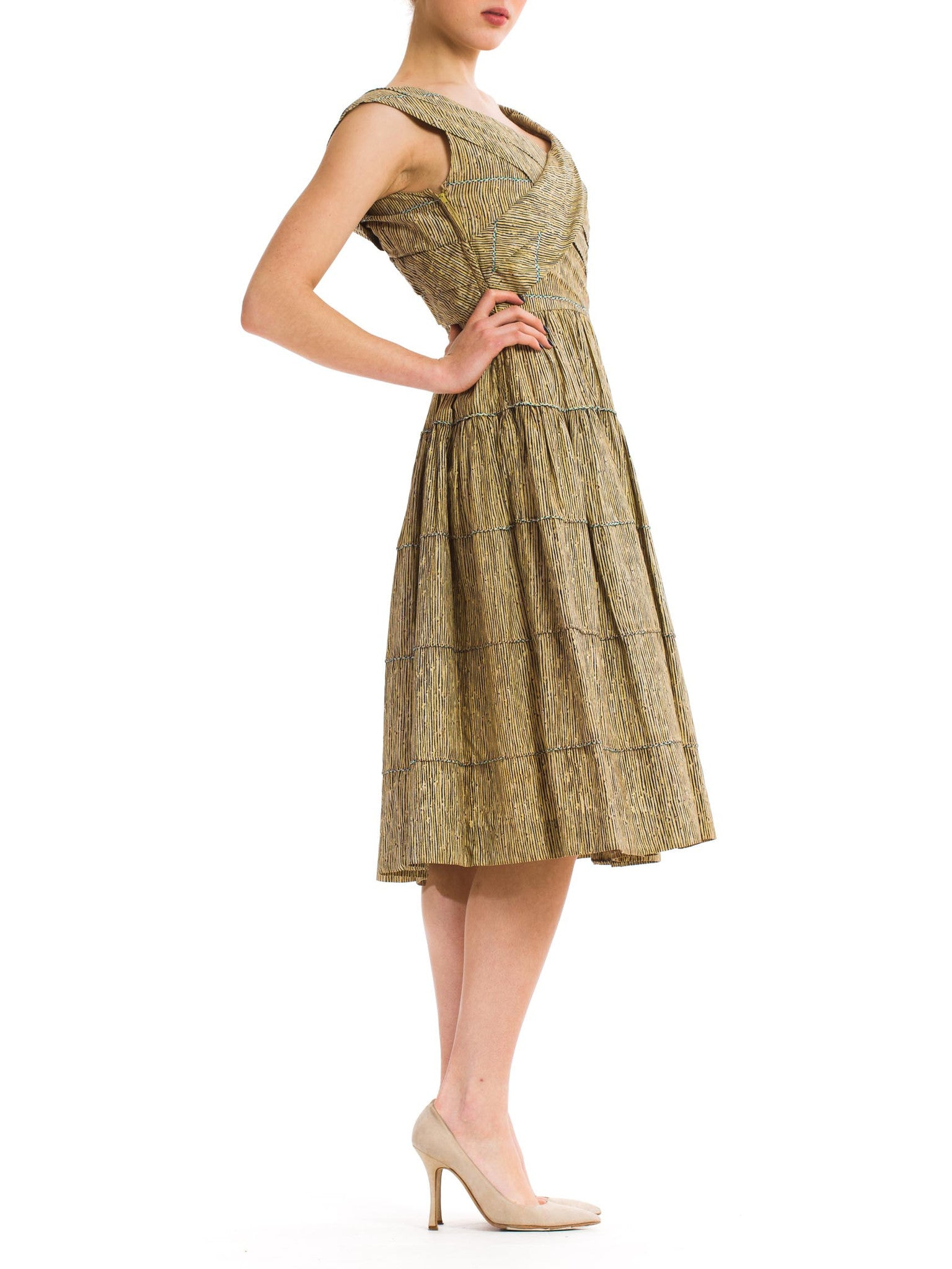 Darling Vintage 1980s Neutral Toned Dress with Wide Skirt
