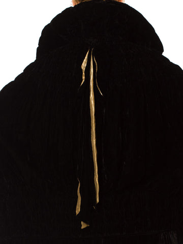 1920S  Black Silk Velvet Cape Lined In Champagne Silver Lamé