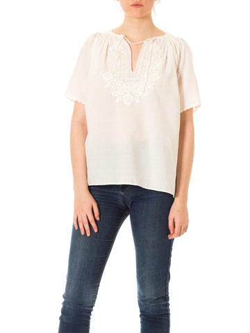 1970s Boho Peasant Style White Floral Embroidered Short Sleeve Top