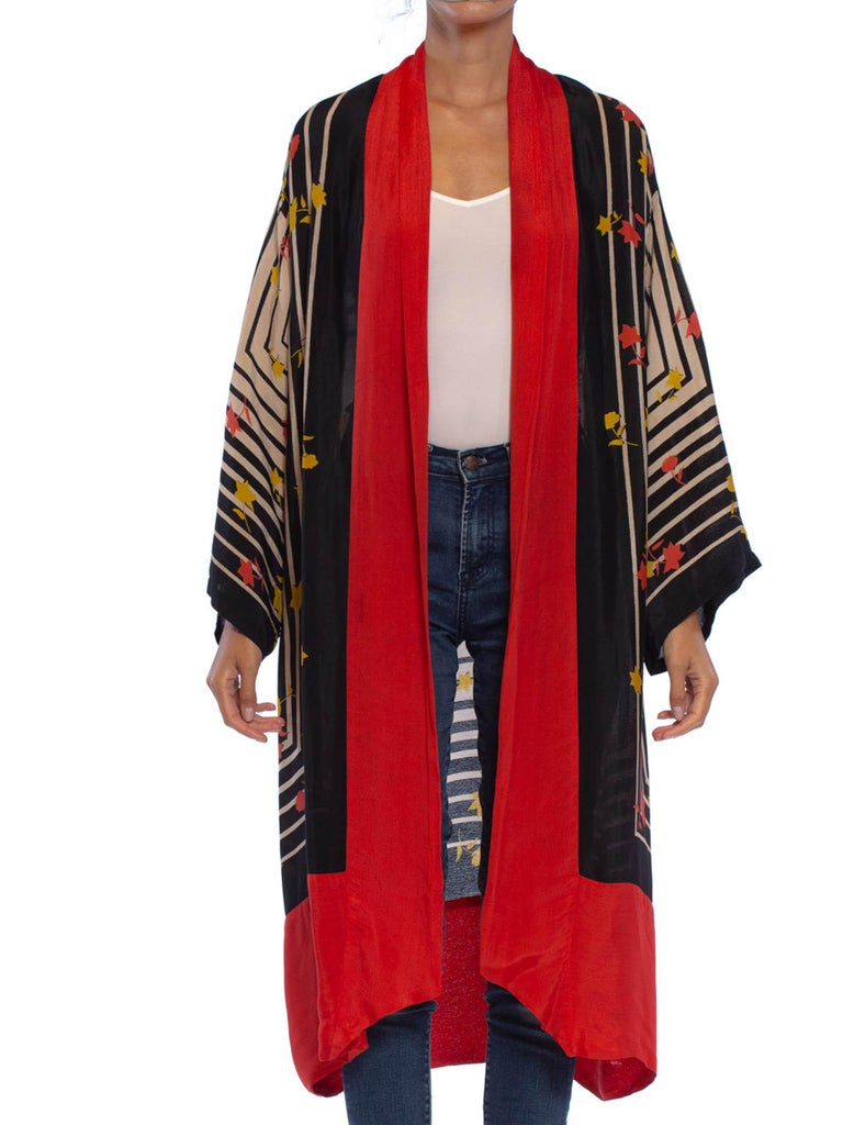 1920S Black & White Art Deco Rayon Kimono With Red Flowers Border