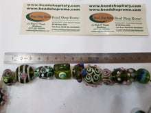 Load image into Gallery viewer, Green Lampwork 10 beads Coll/ O