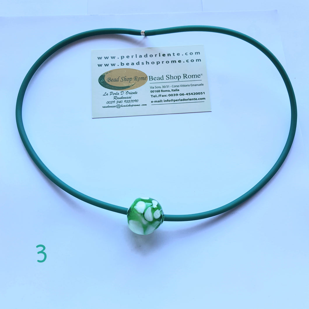 Necklace blown ball green white 3
