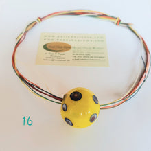 Load image into Gallery viewer, Necklace yellow blue 16