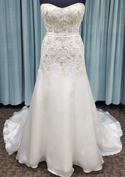 Casablanca Bridal 2166 Sale Wedding Dress