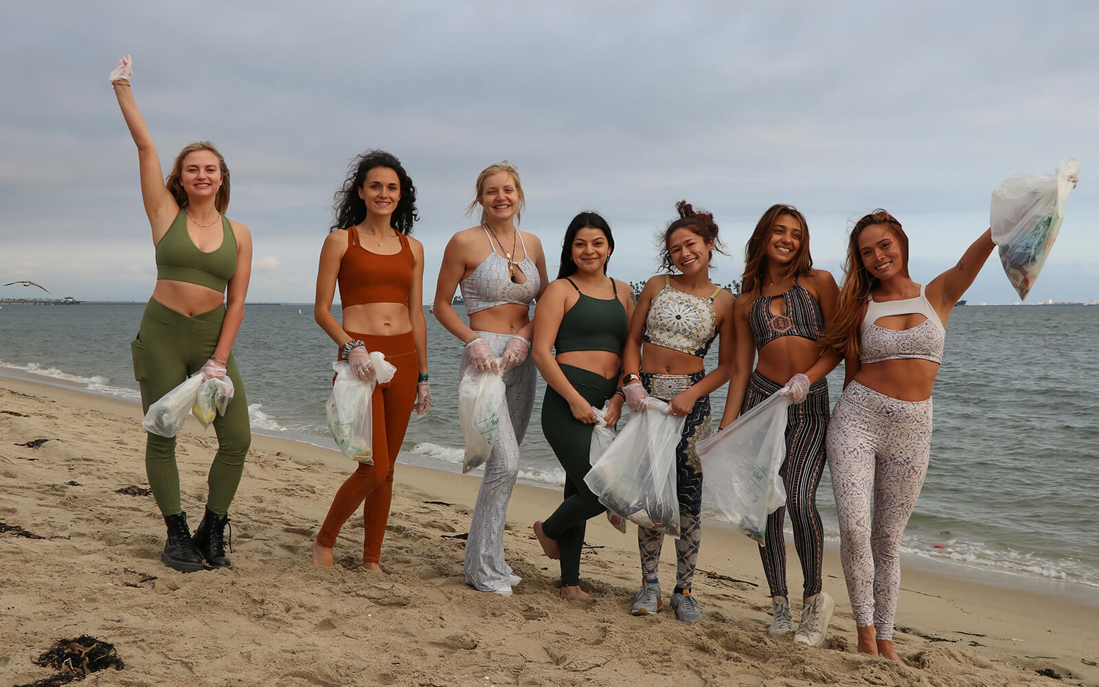 Wolven Sustainable Activewear Beach Clean-Up DIY Sand Sifter