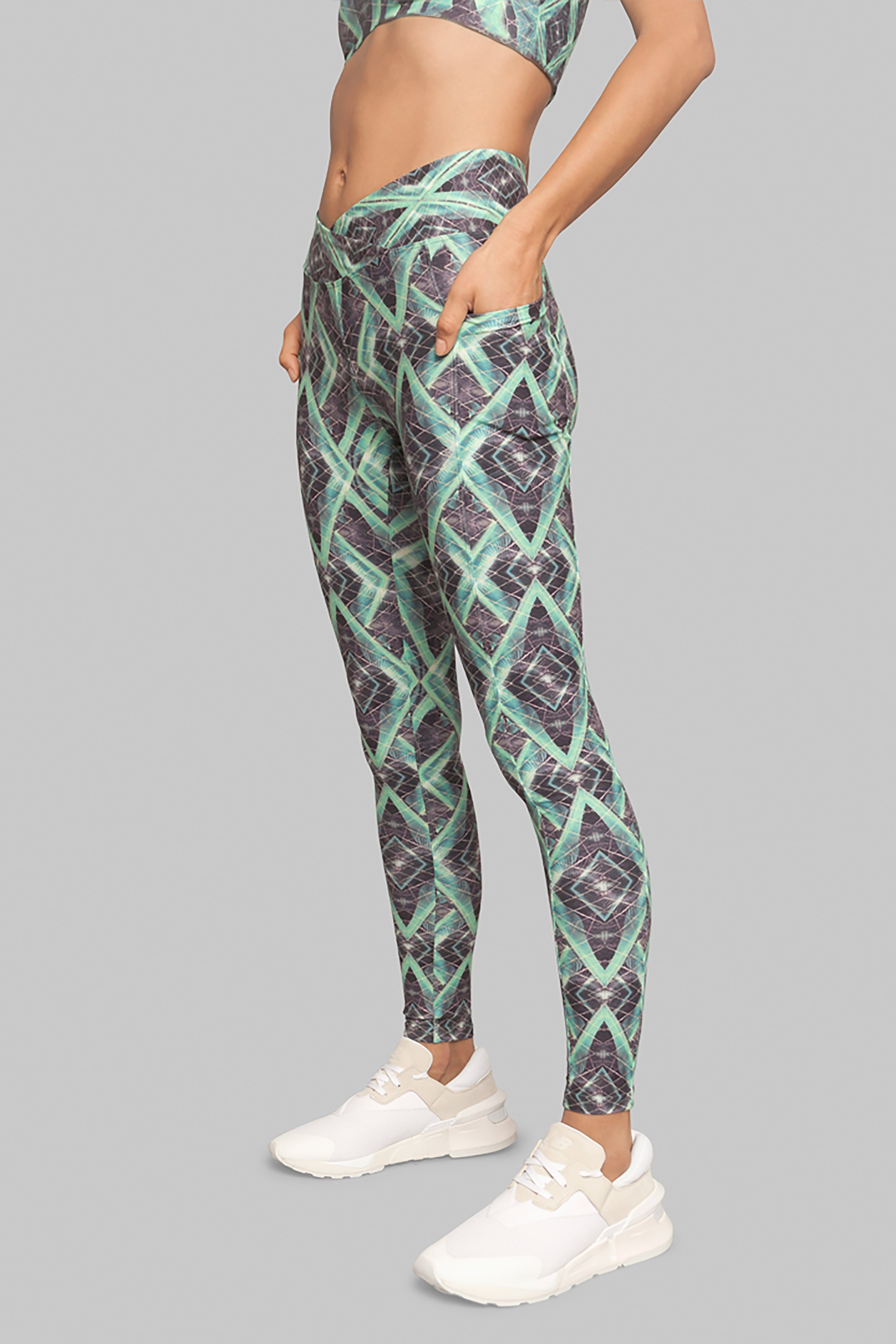 Sustainable Leggings Green Jungle Helix Legging green printed legggings with pockets