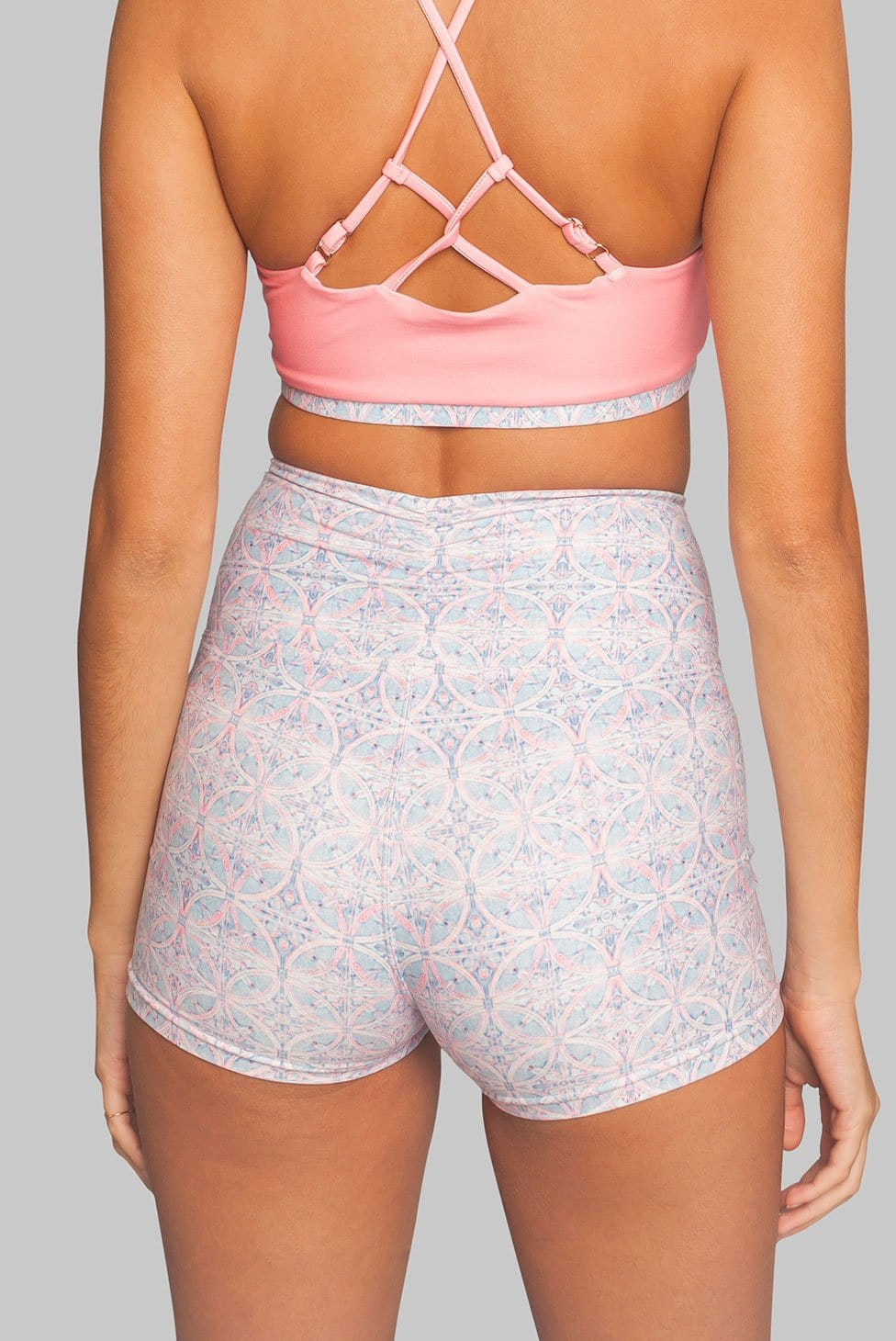 Wolven Sustainable Activewear High-waisted Short Pink Yoga mandala print
