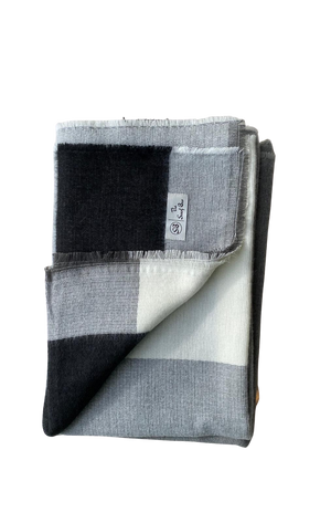 Luxe SB Box Plaid Blanket Scarf