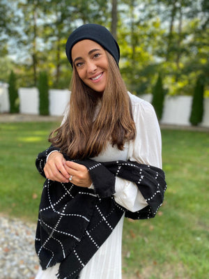 Luxe Classy Black SB Blanket Scarf