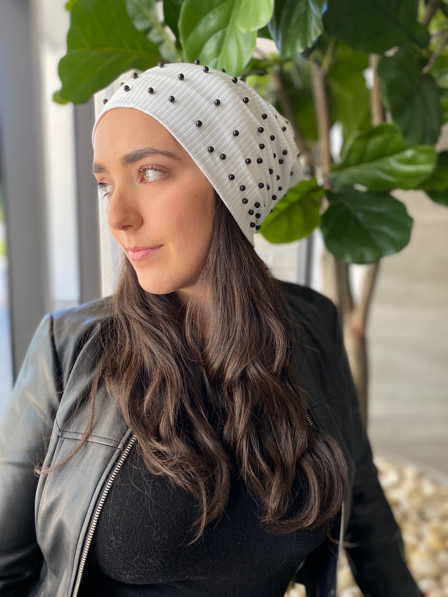 White Ribbed Black Pearls Beanie