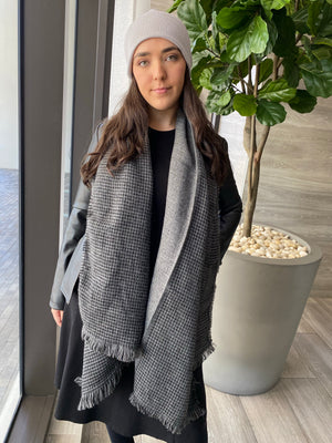 Mini Blanket Scarf Charcoal Houndstooth