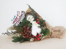 Load image into Gallery viewer, Christmas Dried Flowers Bouquet