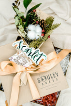 Load image into Gallery viewer, Christmas Dried Flowers Bouquet with Souley Green's Gift Box