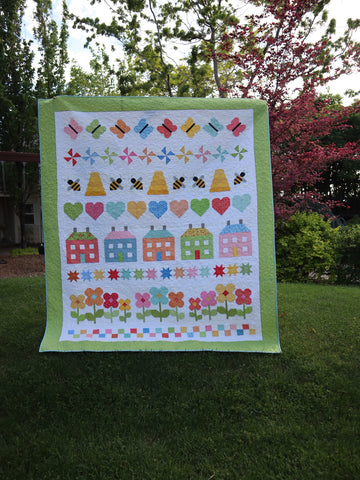 Welcome Summer Quilt with Borders
