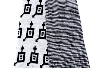 Dot knits Gender Equality scarf white close-up