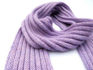 Dot knits ribbed mohair scarf lilac close-up