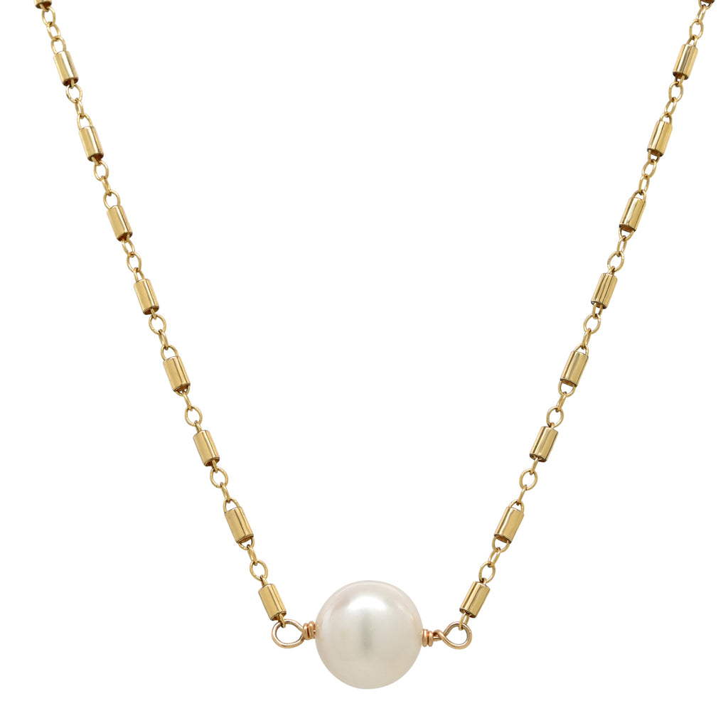 Cait Necklace in Freshwater Pearl