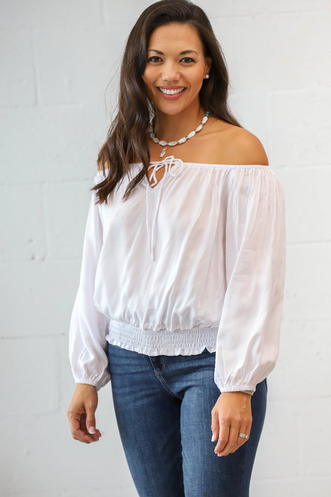Cali Off the Shoulder Top: White