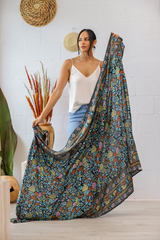 Classic Sarong in Midnight Rosa