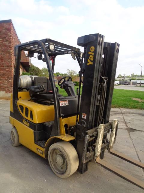 2014 Yale GLC050VXNLAE083 CUSHION TIRE FORKLIFT SN 2213