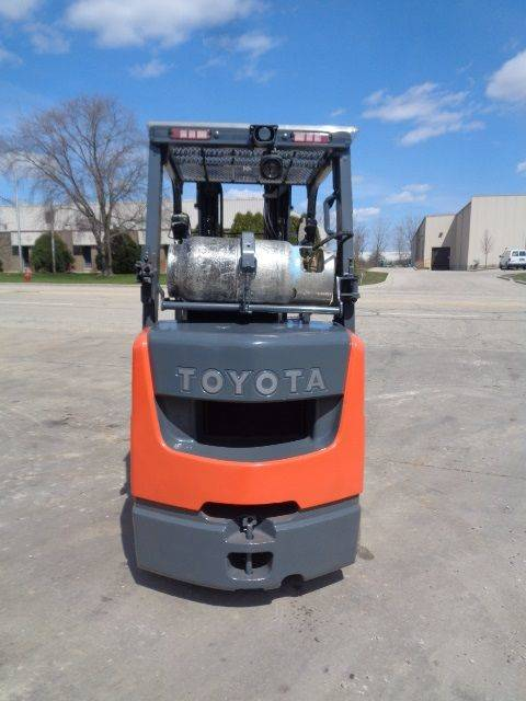 2015 TOYOTA 8FGCU30 Cushion Tire Forklift SN 2135