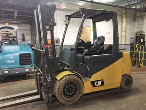 2016 Cat 2P-8000 Solid Pneumatic Forklift SN 8008