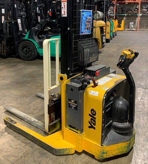 2012 YALE MSW040 4,000 lb. Electric Pallet Jacks & Stackers SN 4006