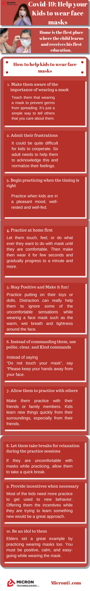 Face mask in Canada