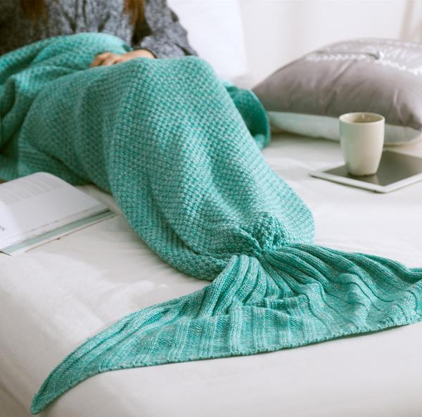 Cozy Cotton-Knit Mermaid Tail Blanket