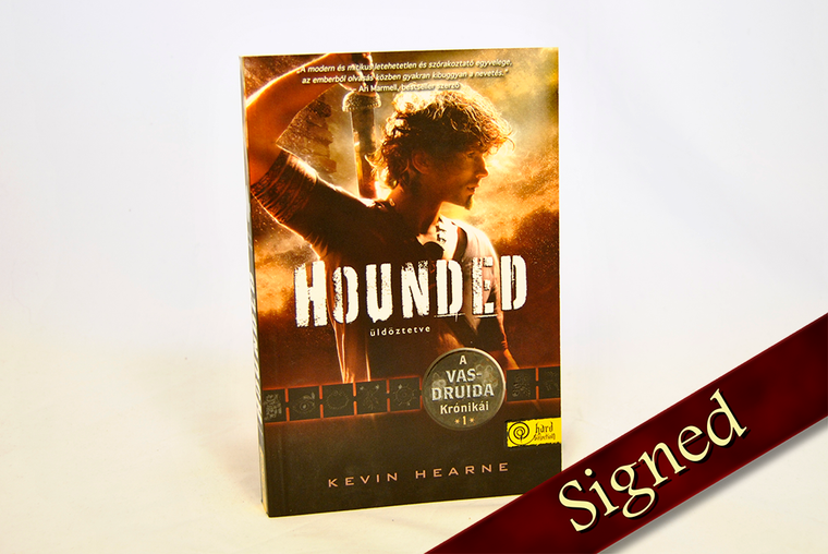 Hounded by Kevin Hearne (Hungarian Edition)