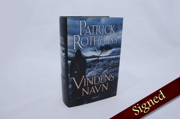 The Name of the Wind by Patrick Rothfuss (Norwegian Edition)