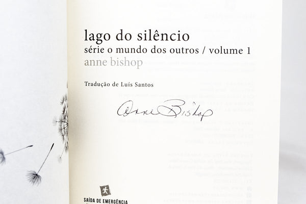 Foreign Editions - Lake Silence (Portuguese)